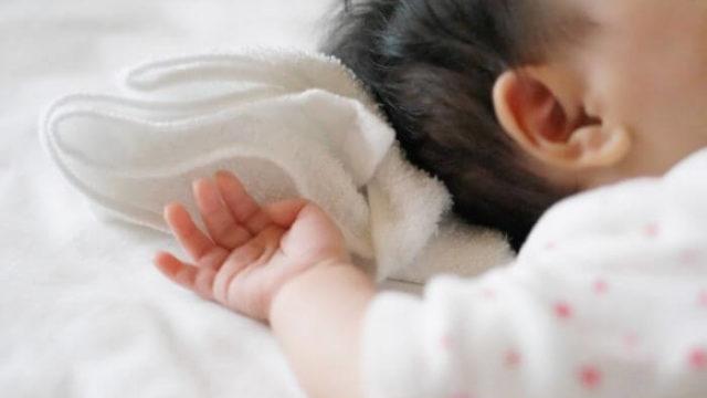 赤ちゃんの後頭部に毛玉ができる理由