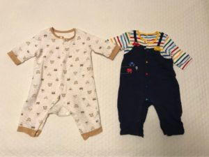 赤ちゃんのパジャマはいつから