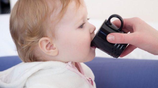 赤ちゃんが麦茶を嫌がらない方法